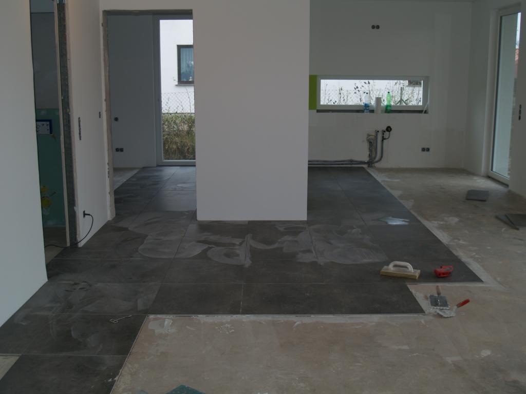 Affordable Kuche Grau With Graue Fliesen Wohnzimmer